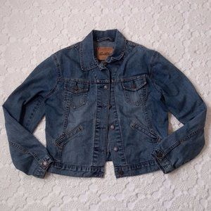 Levis women 4/6 Small Jean Jacket Medium Wash GUC